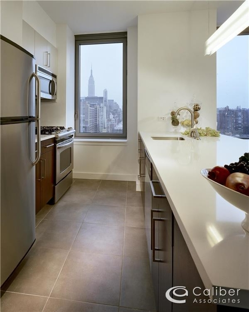 Studio, Chelsea Rental in NYC for $2,900 - Photo 2