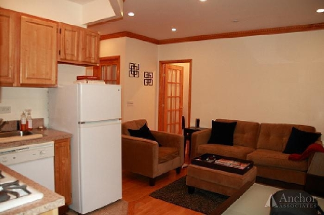 2BR at York Ave. - Photo 1