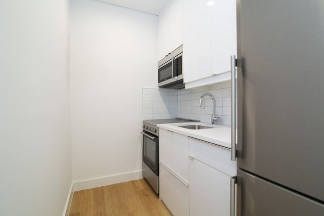 2 Bedrooms, SoHo Rental in NYC for $3,996 - Photo 1