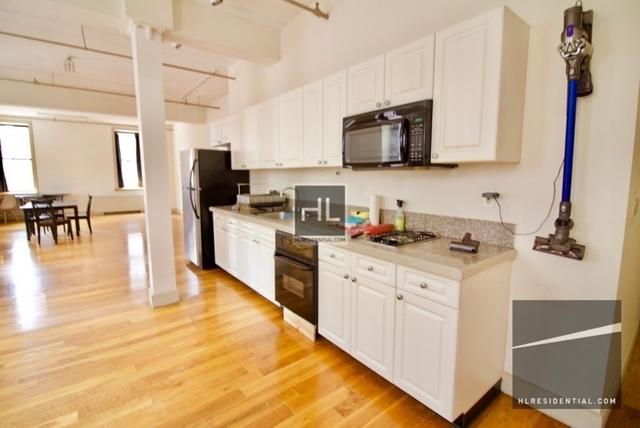 Studio, DUMBO Rental in NYC for $3,900 - Photo 2