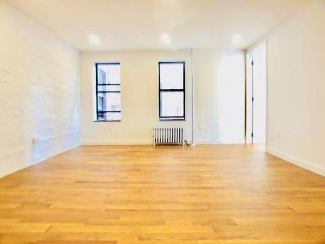 3 Bedrooms, Kingsbridge Heights Rental in NYC for $2,400 - Photo 2
