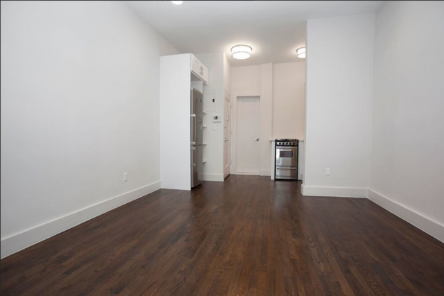 1 Bedroom, Yorkville Rental in NYC for $2,649 - Photo 2