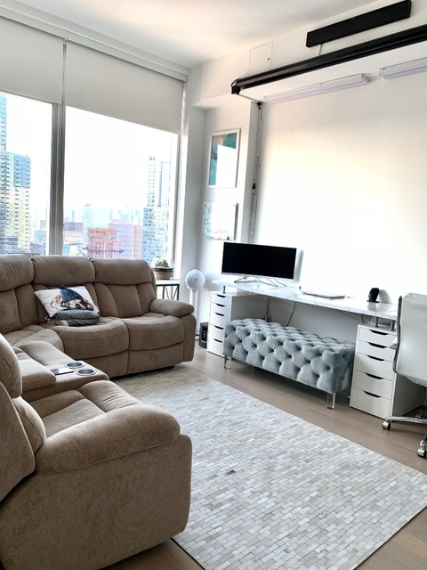 1 Bedroom, Long Island City Rental in NYC for $3,398 - Photo 1
