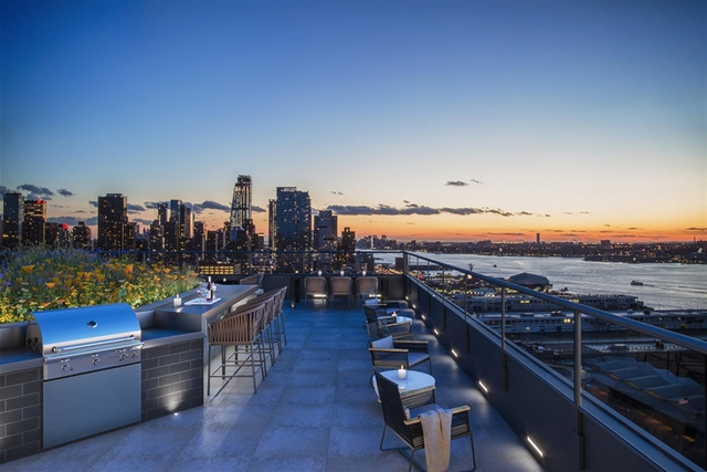 3 Bedrooms, Hell's Kitchen Rental in NYC for $5,950 - Photo 1