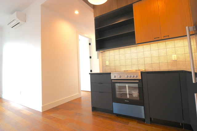 3 Bedrooms, Greenpoint Rental in NYC for $4,240 - Photo 2