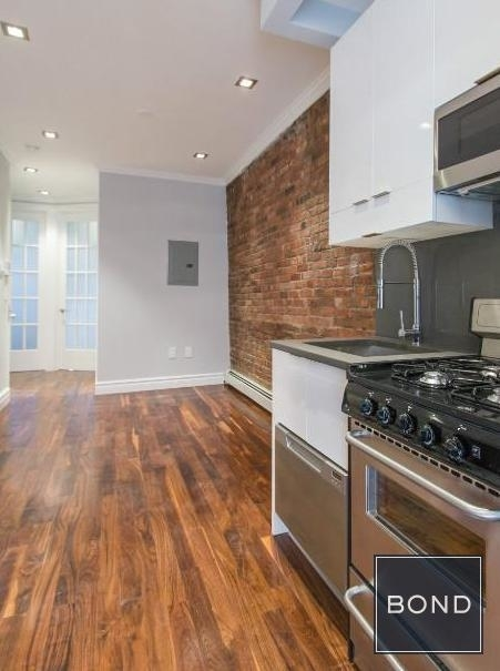 2 Bedrooms, Little Italy Rental in NYC for $4,195 - Photo 1