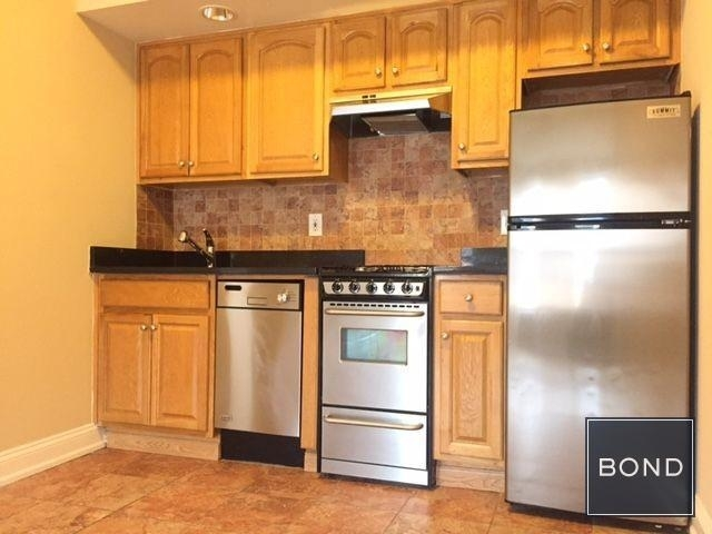 1 Bedroom, Lincoln Square Rental in NYC for $2,799 - Photo 2
