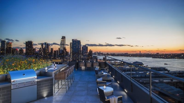 1 Bedroom, Hell's Kitchen Rental in NYC for $3,890 - Photo 1