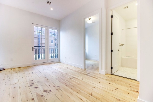 2 Bedrooms, Williamsburg Rental in NYC for $3,749 - Photo 2