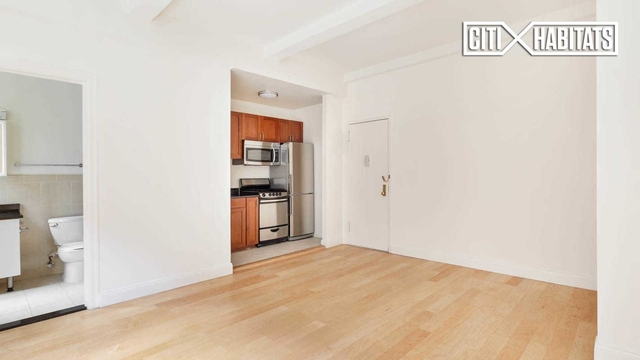 Studio, Lincoln Square Rental in NYC for $2,455 - Photo 2