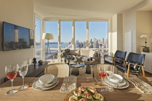 2 Bedrooms, Hell's Kitchen Rental in NYC for $6,071 - Photo 2