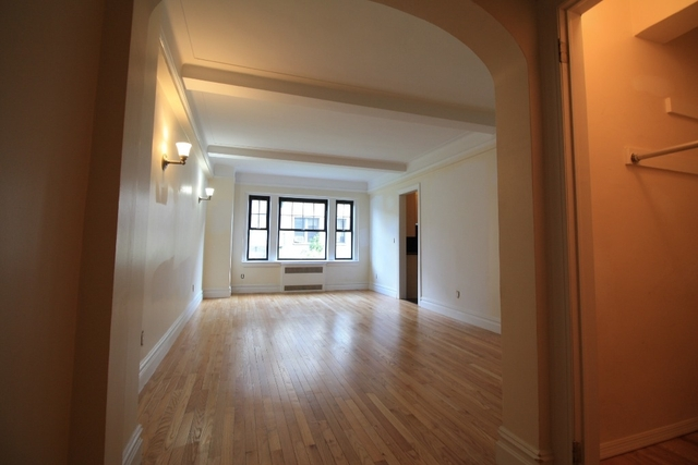 1 Bedroom, West Village Rental in NYC for $4,676 - Photo 2