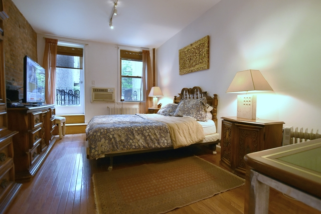 2 Bedrooms, Rose Hill Rental in NYC for $5,900 - Photo 2