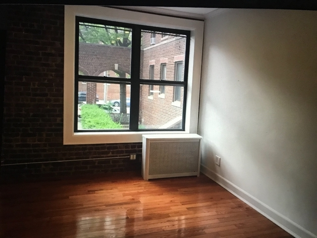 1 Bedroom, Steinway Rental in NYC for $2,000 - Photo 1