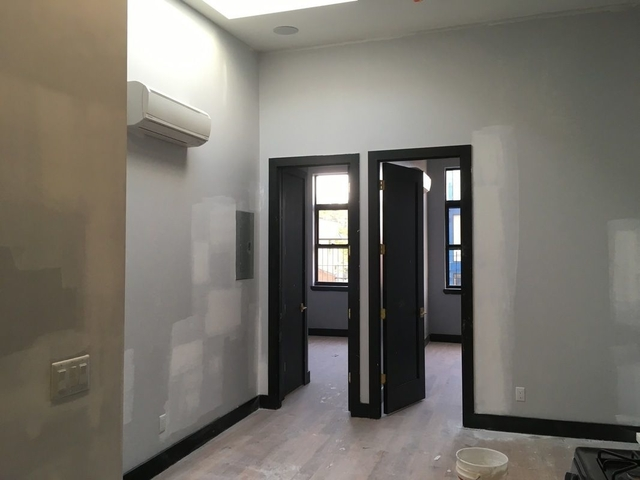 3 Bedrooms, East Williamsburg Rental in NYC for $4,195 - Photo 2
