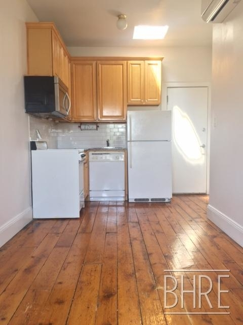 1 Bedroom, Brooklyn Heights Rental in NYC for $2,525 - Photo 2