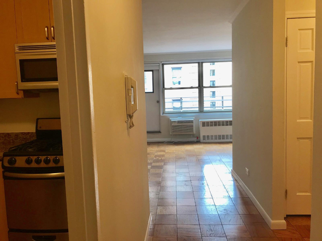 Studio, Upper West Side Rental in NYC for $2,677 - Photo 1