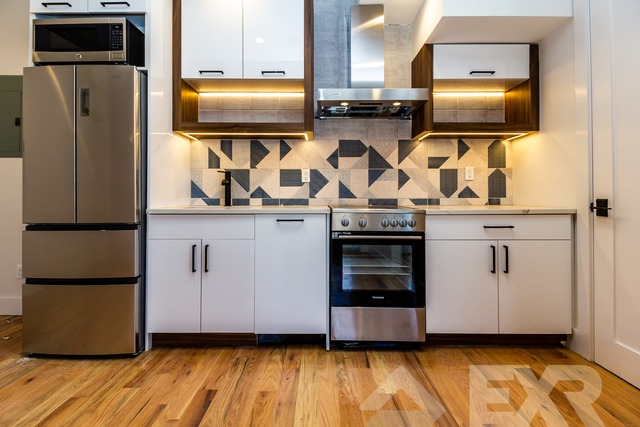 2 Bedrooms, East Williamsburg Rental in NYC for $3,300 - Photo 2