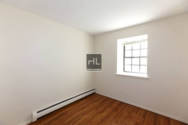 3 Bedrooms, Forest Hills Rental in NYC for $2,900 - Photo 1