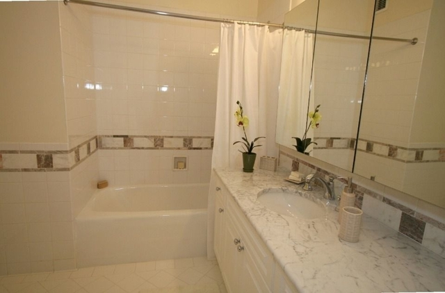 3 Bedrooms, Battery Park City Rental in NYC for $8,795 - Photo 2