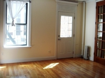 3 Bedrooms, Gramercy Park Rental in NYC for $5,795 - Photo 1