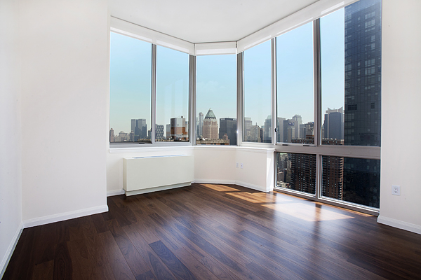3 Bedrooms, Hell's Kitchen Rental in NYC for $4,998 - Photo 2