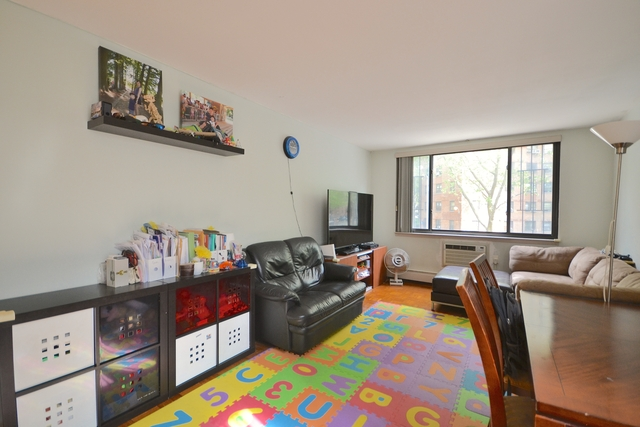 2 Bedrooms, Cooperative Village Rental in NYC for $3,600 - Photo 2