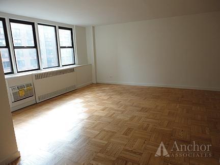 Studio, Yorkville Rental in NYC for $2,725 - Photo 2