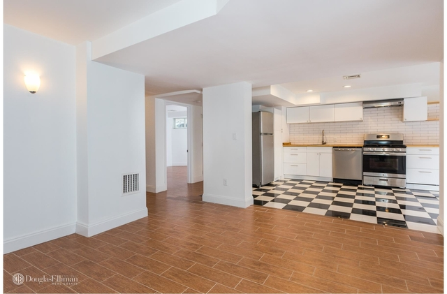 3 Bedrooms, Beverley Square West Rental in NYC for $2,800 - Photo 2