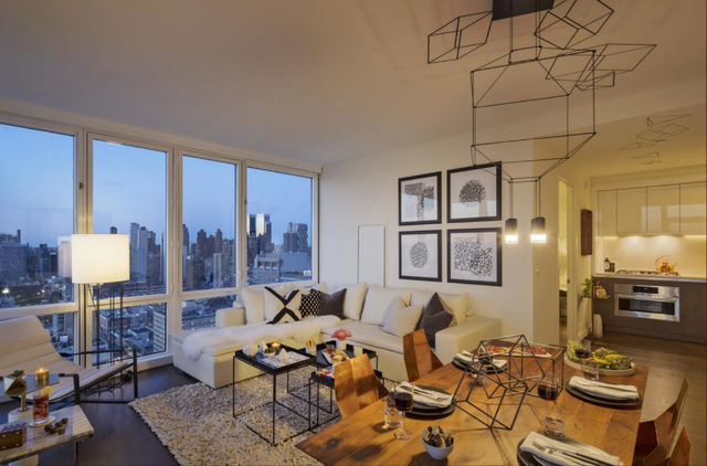 1 Bedroom, Hell's Kitchen Rental in NYC for $5,000 - Photo 2