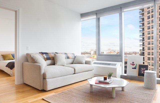 2 Bedrooms, Hell's Kitchen Rental in NYC for $4,858 - Photo 2