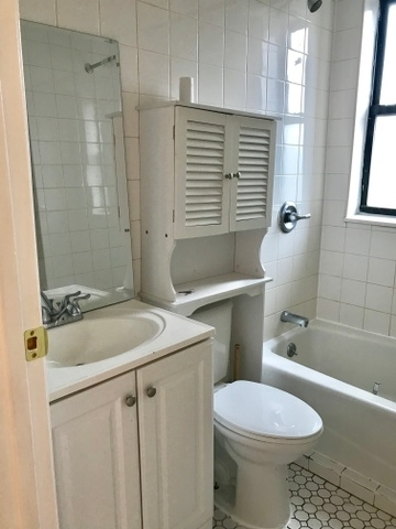 2 Bedrooms, Williamsburg Rental in NYC for $2,495 - Photo 2