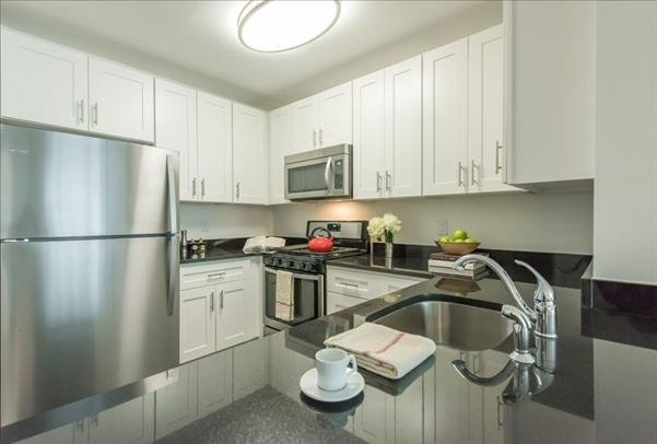 3 Bedrooms, Lincoln Square Rental in NYC for $7,494 - Photo 1