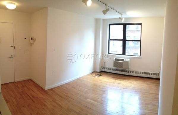 3 Bedrooms, Chinatown Rental in NYC for $4,350 - Photo 1