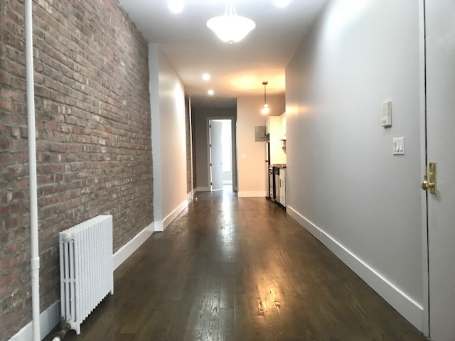 2 Bedrooms, East Williamsburg Rental in NYC for $2,250 - Photo 2