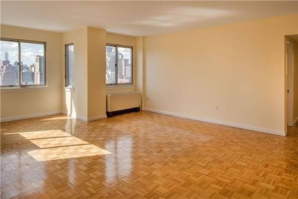 3 Bedrooms, Murray Hill Rental in NYC for $6,050 - Photo 1