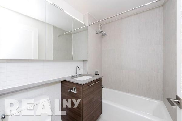 Studio, Yorkville Rental in NYC for $4,550 - Photo 2