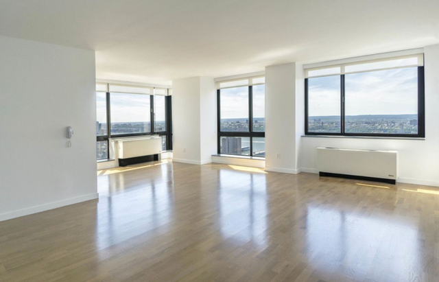 2 Bedrooms, Hell's Kitchen Rental in NYC for $7,400 - Photo 1