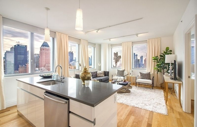 3 Bedrooms, Hell's Kitchen Rental in NYC for $8,000 - Photo 1