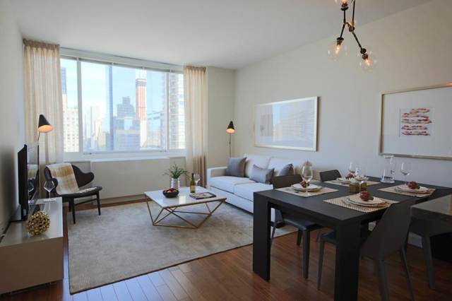 1 Bedroom, Lincoln Square Rental in NYC for $4,199 - Photo 1