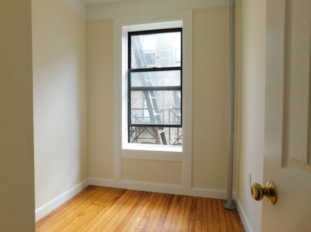 3 Bedrooms, East Village Rental in NYC for $5,200 - Photo 2