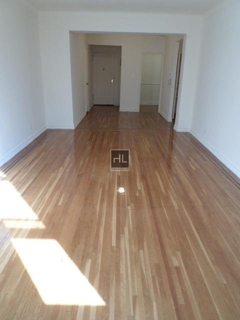 2 Bedrooms, Jackson Heights Rental in NYC for $2,600 - Photo 2