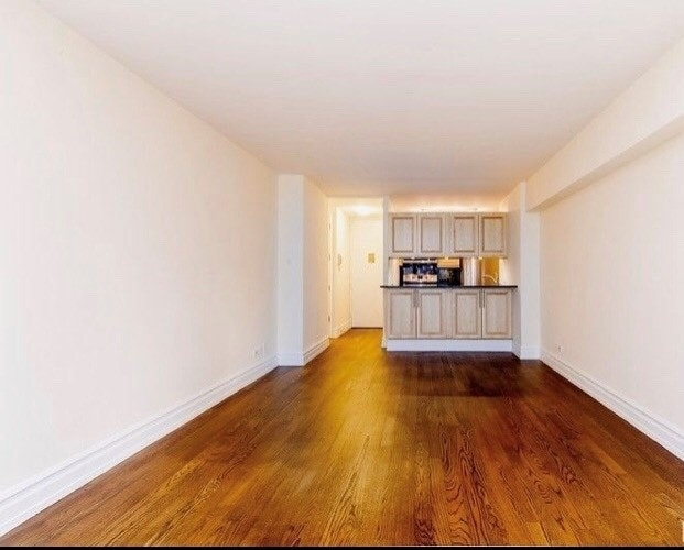 Studio, Lincoln Square Rental in NYC for $3,296 - Photo 2