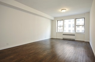 3 Bedrooms, Carnegie Hill Rental in NYC for $7,995 - Photo 2