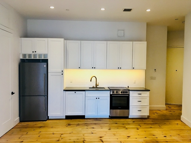 Room, Williamsburg Rental in NYC for $1,443 - Photo 1
