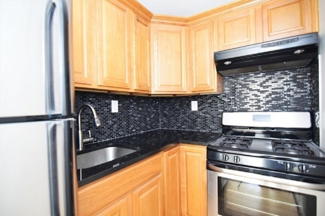 1 Bedroom, Cobble Hill Rental in NYC for $2,000 - Photo 2