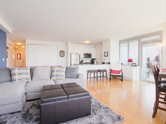 2 Bedrooms, Hunters Point Rental in NYC for $6,365 - Photo 1