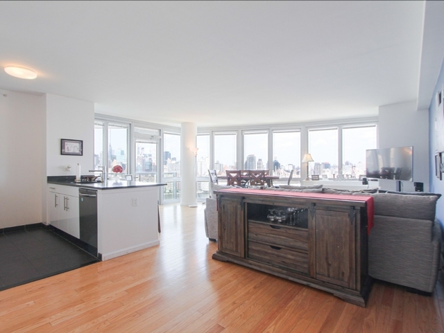 2 Bedrooms, Hunters Point Rental in NYC for $6,365 - Photo 2