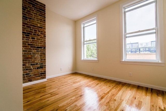 3 Bedrooms, Greenpoint Rental in NYC for $2,950 - Photo 1