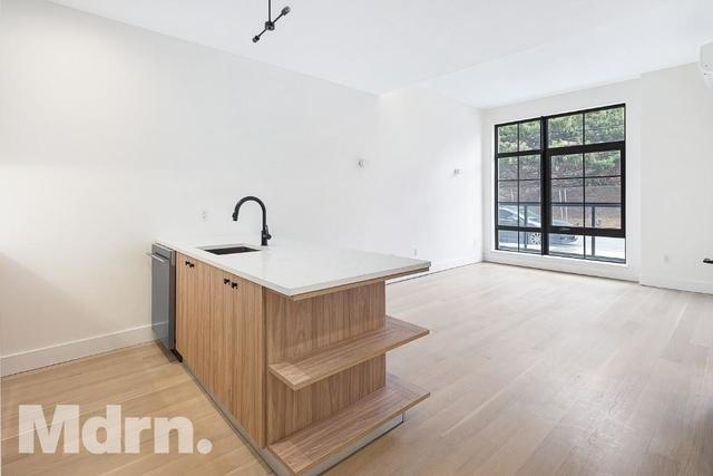 3 Bedrooms, Mott Haven Rental in NYC for $3,570 - Photo 2